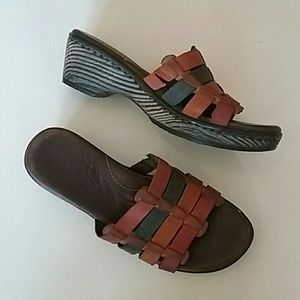 Colorful Born leather sandals in excellent cond